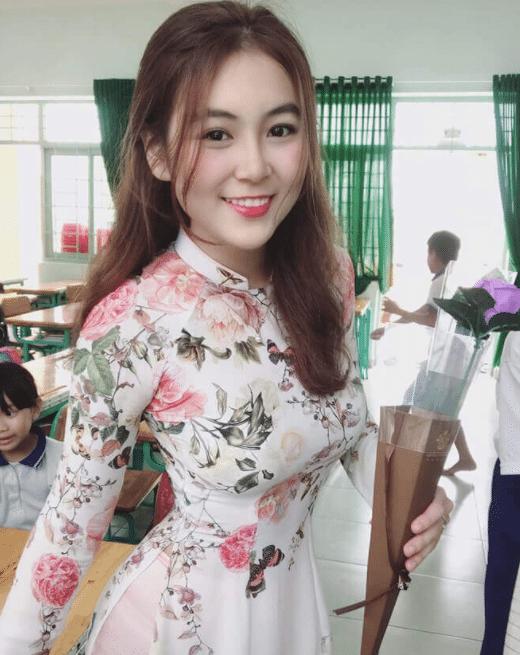 [Có Link] Cô giáo Trân (Trân Trần) lộ clip nhạy cảm khi livestream kín 2