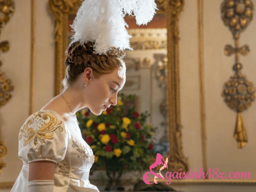 Vẻ đẹp sexy của nữ diễn viên Phoebe Dynevor phim Bridgerton 5