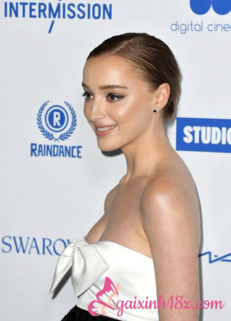 Vẻ đẹp sexy của nữ diễn viên Phoebe Dynevor phim Bridgerton 7