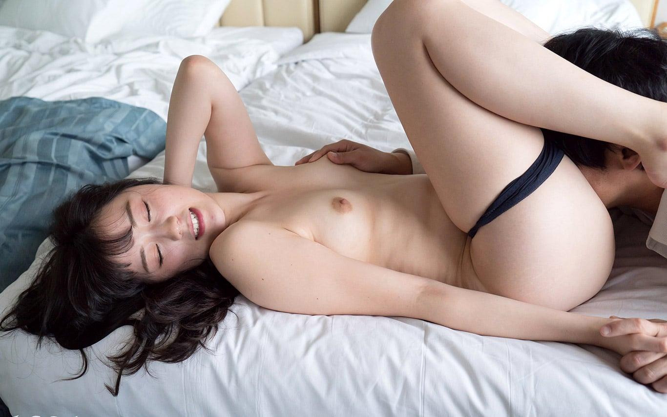 Emiri Suzuhara – hot girl JAV đẹp xuất sắc