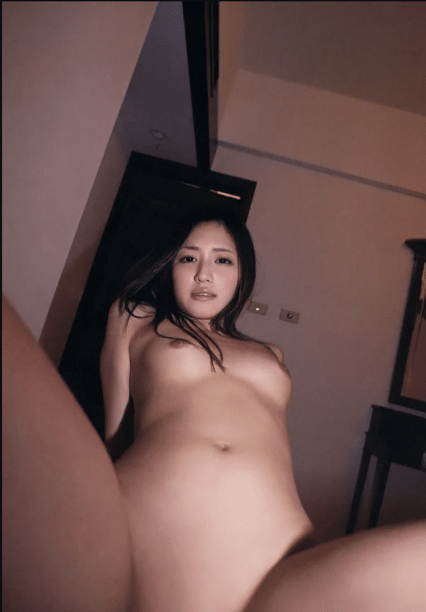 Erika Momotani – diễn viên phim người lớn Nhật Bản xinh đẹp